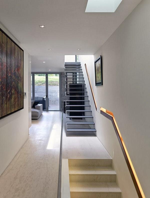 Casas minimalistas y modernas escaleras minimalistas for Escaleras minimalistas interiores