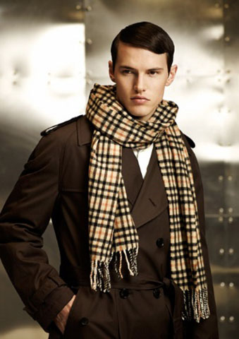 World Of Fashion: Men's fashion scarves a style this season