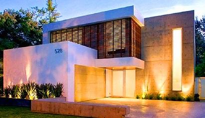 24 fachadas de casas modernas tipos de revestimentos for Modelos de fachadas modernas para casas