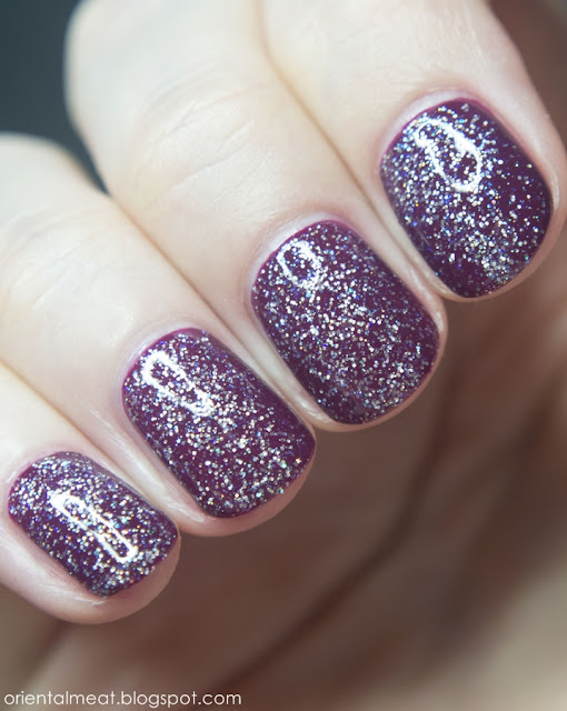 Virtual-cranberry chic & Color Club-snowflakes