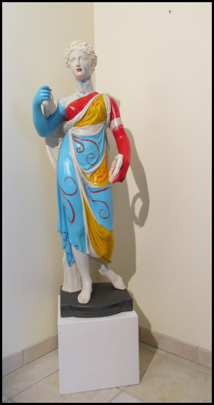 Objet d coratif objet d 39 art statue et son socle for Objet artisanat d art