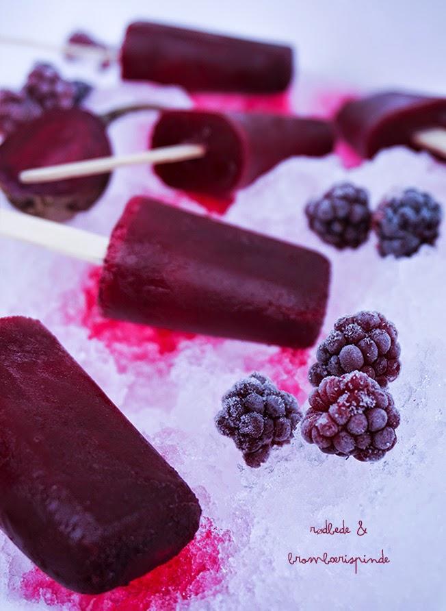Sunde is med rødbede & brombær