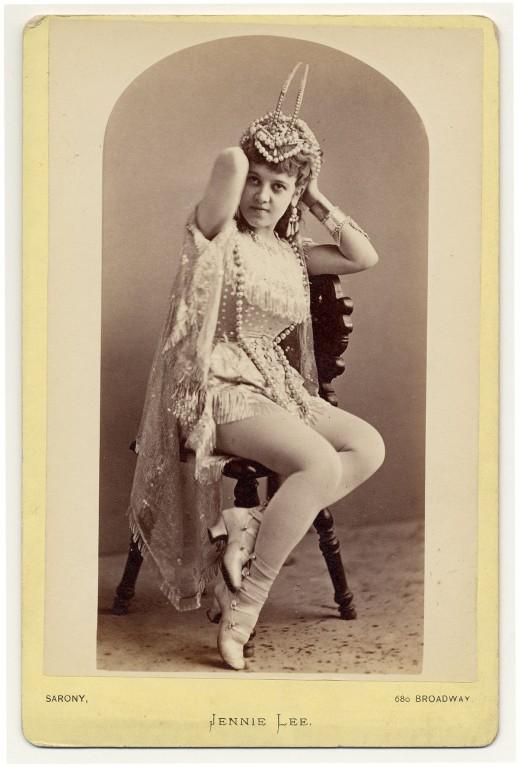 Erotic dancer pictures