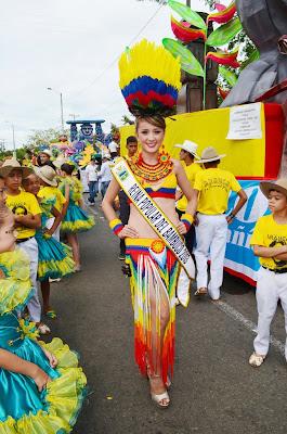 desfile-reinas-nacionales-bambuco