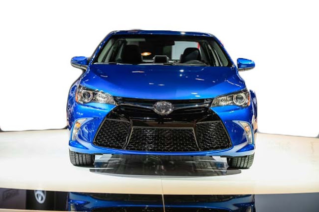 2017 Toyota Camry Special Edition Release Date Front view
