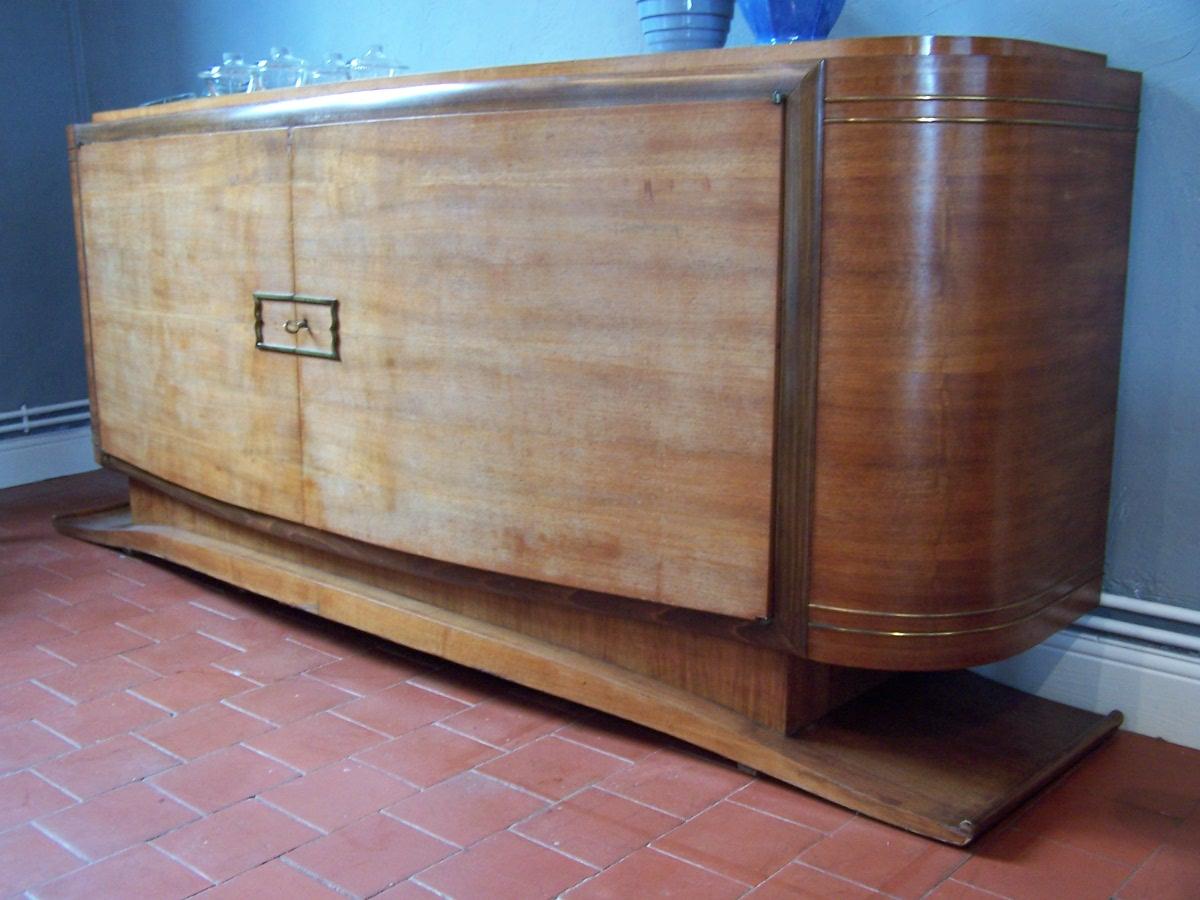 la belle poque buffet en noyer ann e 40. Black Bedroom Furniture Sets. Home Design Ideas
