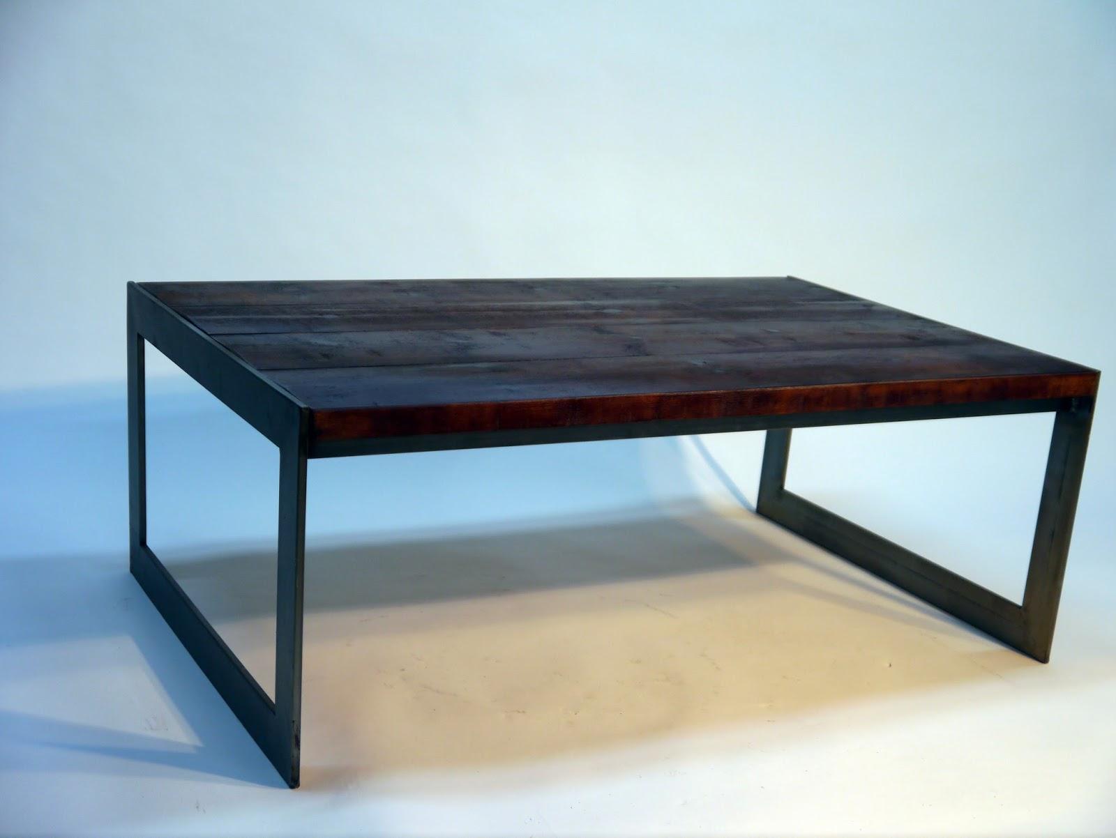 Mesas y sillas en metal de estilo industrial en hierro y for Mesas de centro metalicas