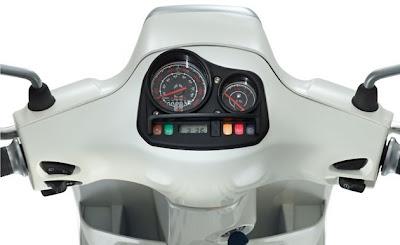 Grupo Piaggio mostrou  as versões S e LX da Vespa