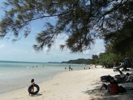 pantai_melur_beach_batam