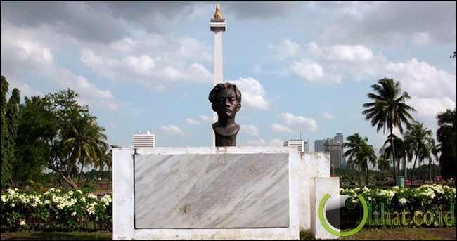 Patung Chairil Anwar