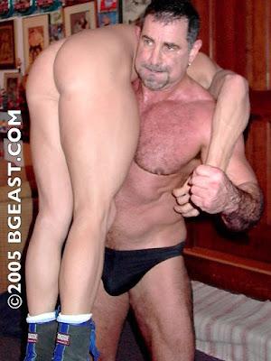 is actor colin ferguson gay