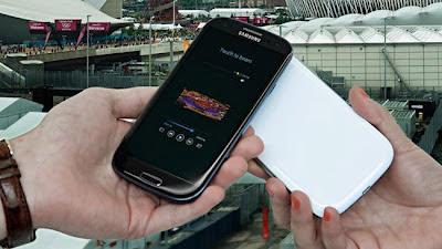Galaxy S III black photos