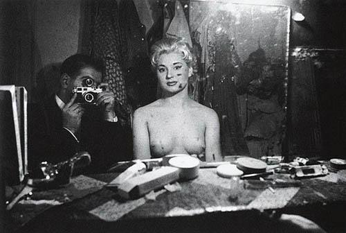 Auto-retratos ao espelho de fotógrafos famosos - Frank Horvat