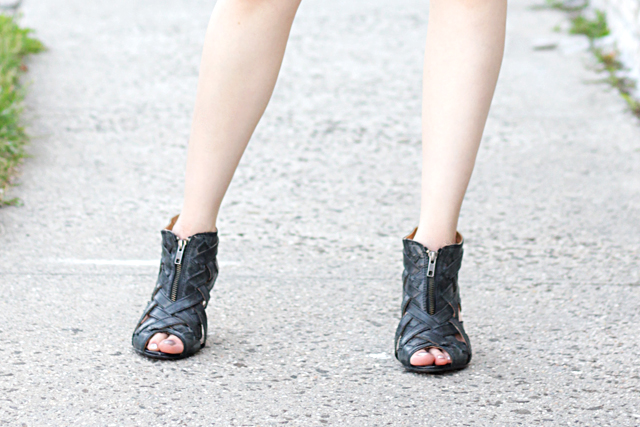 gladiator sandals close up photo
