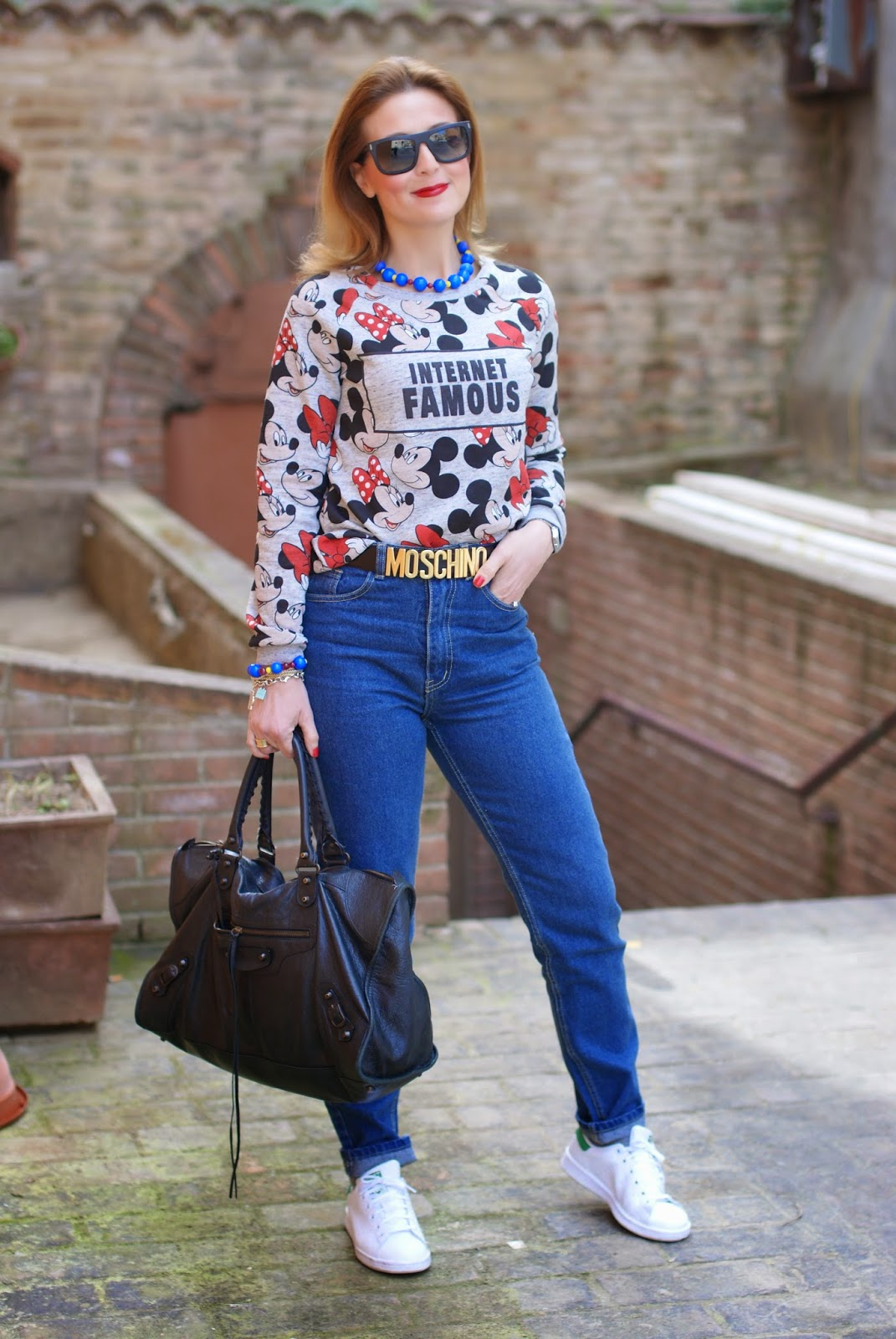 80s inspired look, zaful jeans, casual 80s look, internet famous bershka top, high waisted jeans, balenciaga work bag, mickey mouse top, Fashion and Cookies, fashion blogger