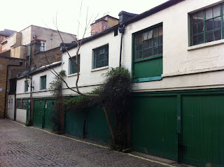 Unidentified Mews, near Bridstow Place, London W11