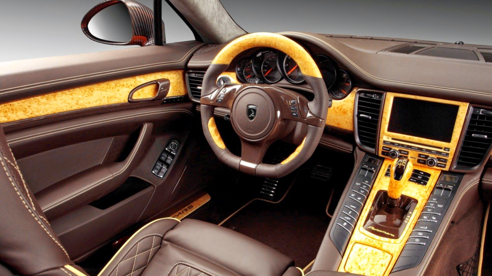 Porsche Panamera Stingray GTR Interior
