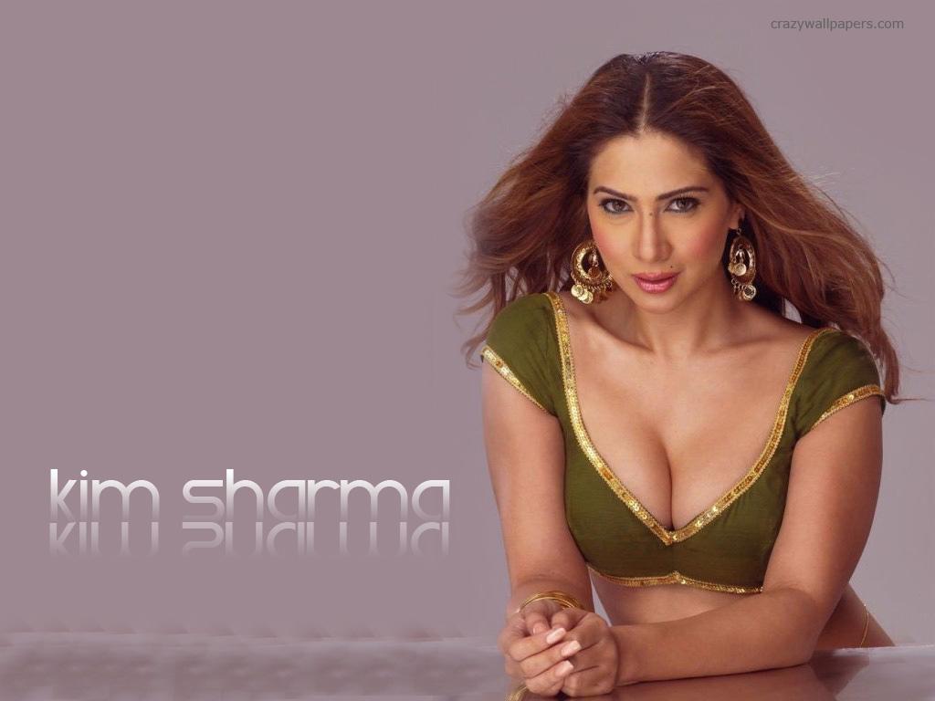 Anushka Sharma en Bikini - ImperiodeFamosas - Fotos