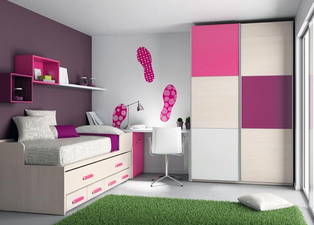 Cama compacto con cama arriba cama tapada enmedio y 4 for Habitaciones compactas