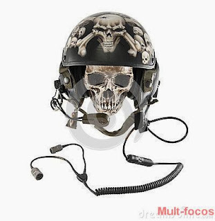 Caveira de capacete