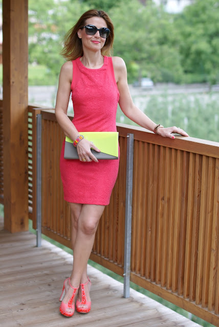 Zara coral dress, abito corallo, coral heels, coral sandals, Fashion and Cookies, clutch Melissa
