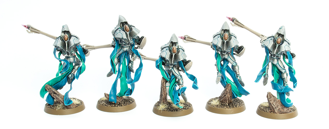 Today I present my finished unit of Shadow Spectres, really cool Eldar ...