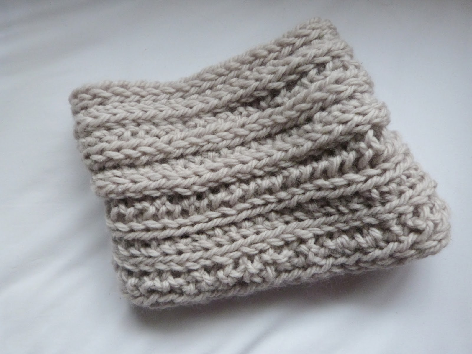 Knitting Needles No : Trends with benefits no needles knitting diy snood