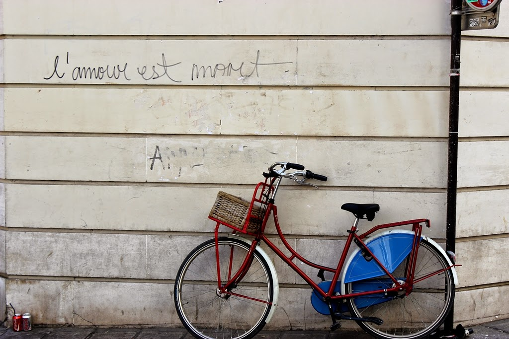Bike in Paris's Marais district