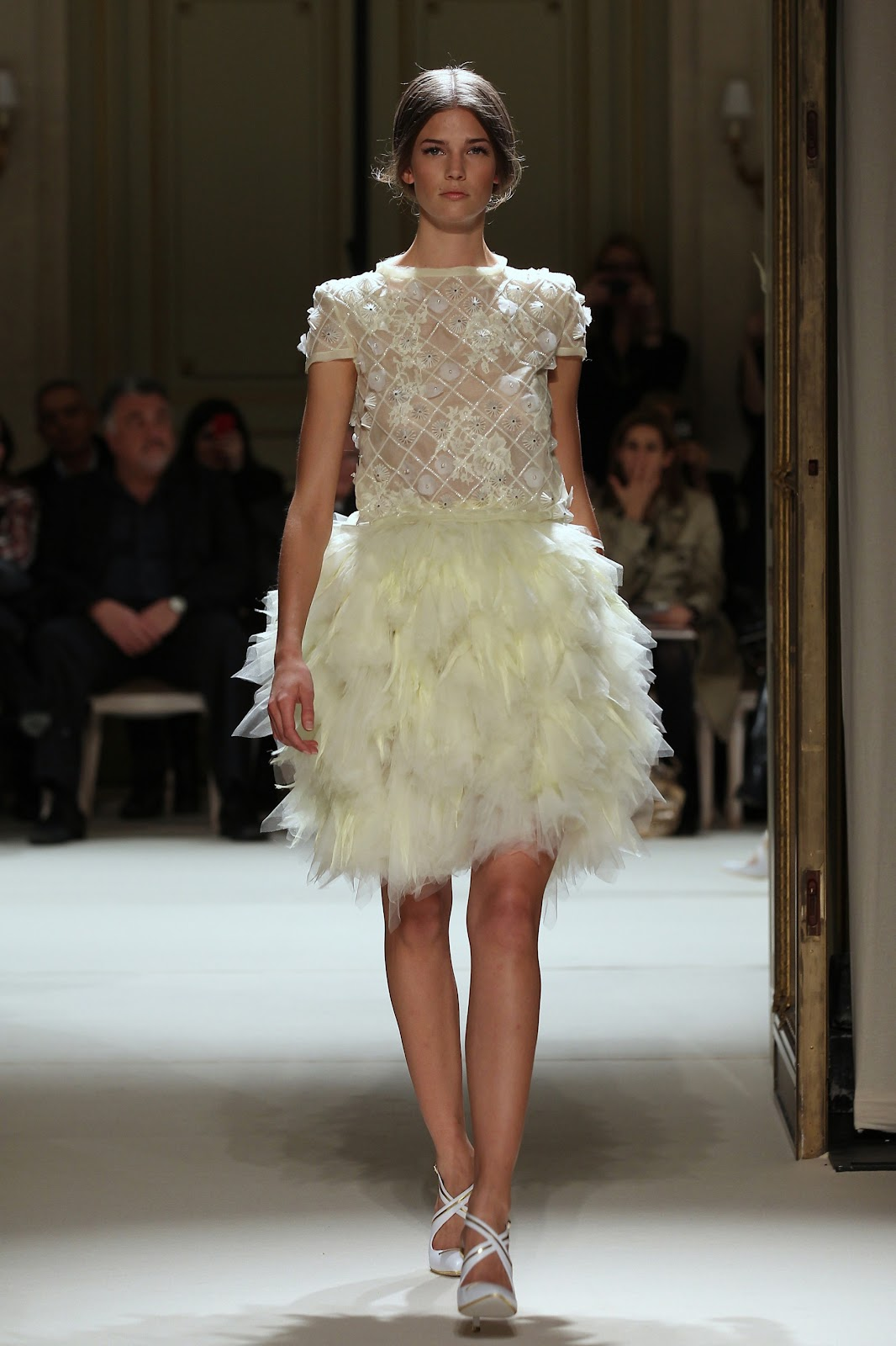 Descosido georges hobeika haute couture ss2012 for Haute couture translation
