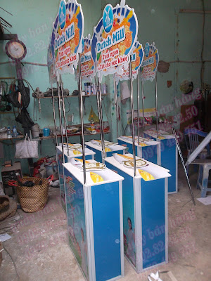 quầy bán hàng sữa Dutch Mill