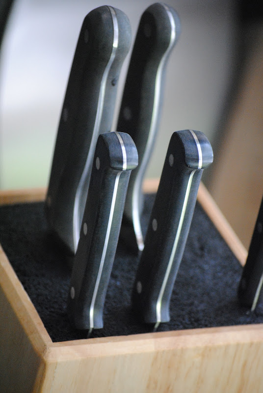 Kapoosh knife block and kitchen organization idea