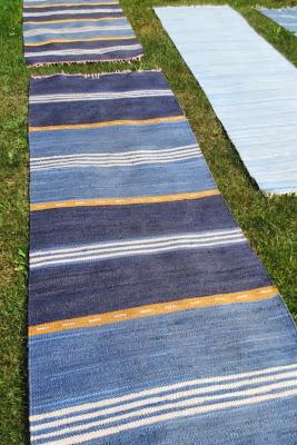 Siniraitainen matto - Muonamiehen mökki
