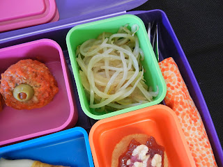 Halloween+Food+Bean+Sprout+Pile+of+Worms Weight Loss Recipes Halloween Bento Box Lunch
