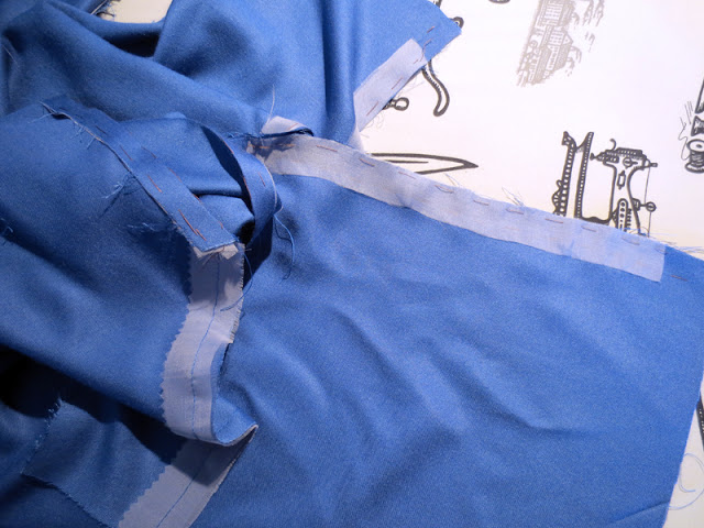 Stabilizing seams with silk organza blue dress cotton sateen | www.stinap.com