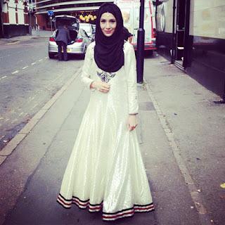 Foto Baju Muslim 2014 Maxi Dress Putih Hijab Hitam Tren Busana Terbaru