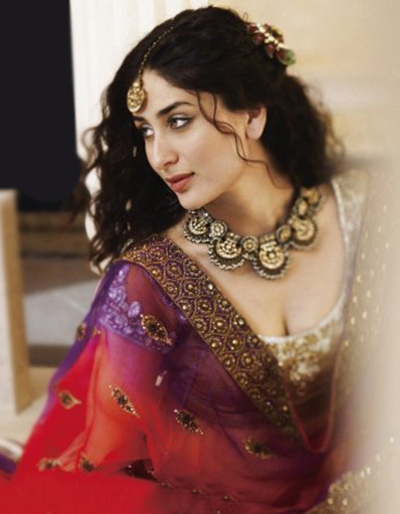 kareena kapoor in a traditional dress 02