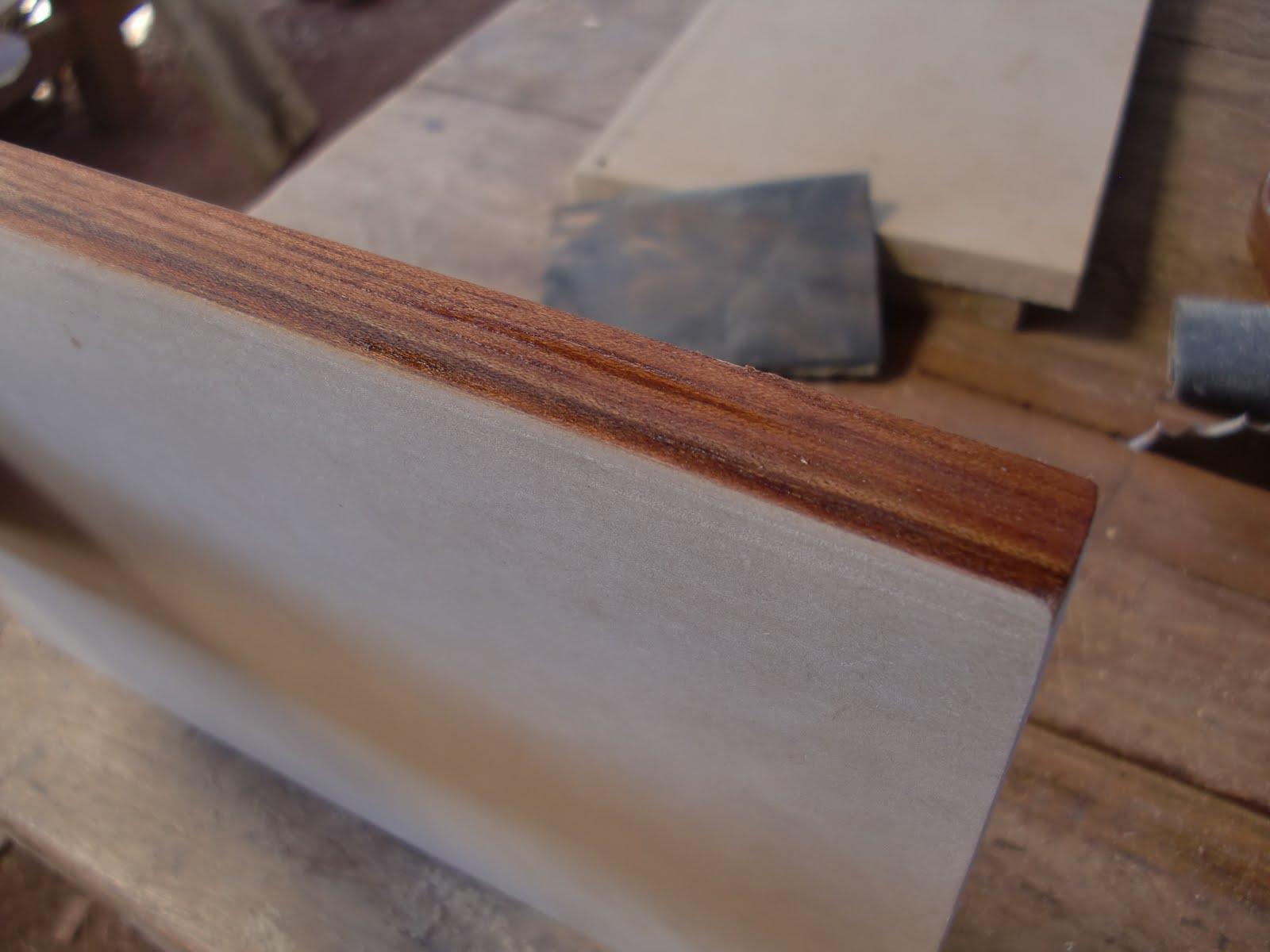 Decoraciones manualidades en madera pegar lamina de for La beta de la madera