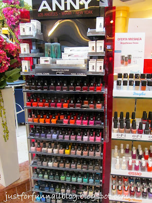 Shopping in Warsaw: Nail Polish! Douglas