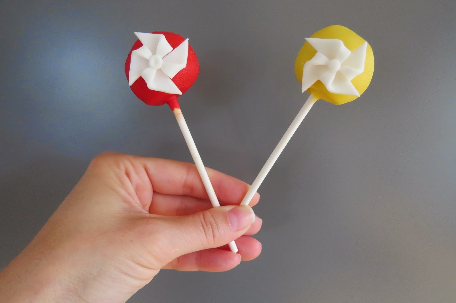 Cake Pop Pin Wheel