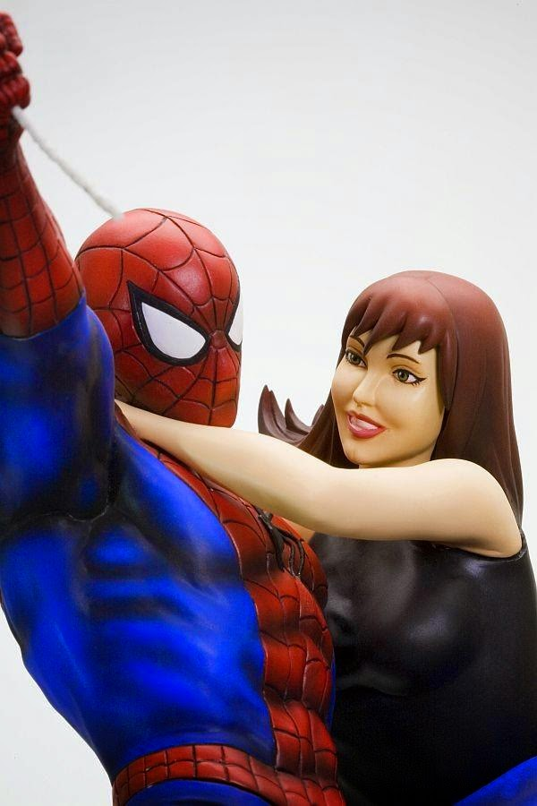 http://www.shopncsx.com/spidermanfineartstatue.aspx