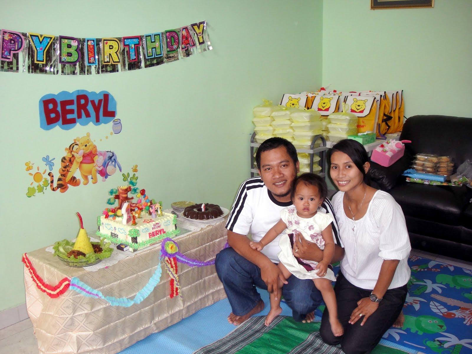 Wuri hardini veronica ulang tahun pertama anakku verena for Dekor ulang tahun