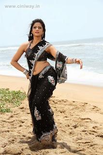 Sutta-Pazham-Sudatha-Pazham-Movie-Stills