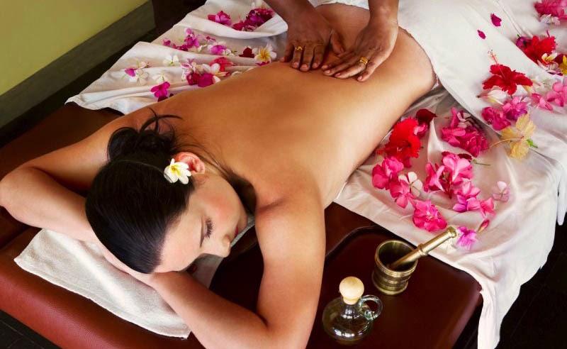 Уломал массажист азиатку на секс смотреть онлайн идея