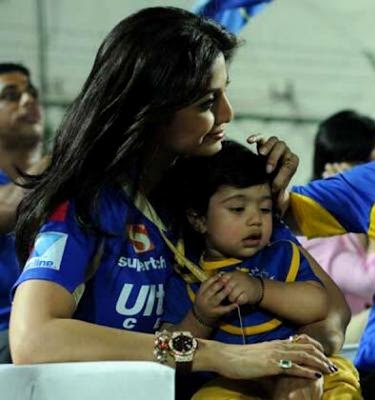 Bollywood actress Shilpa Shetty and son Viaan
