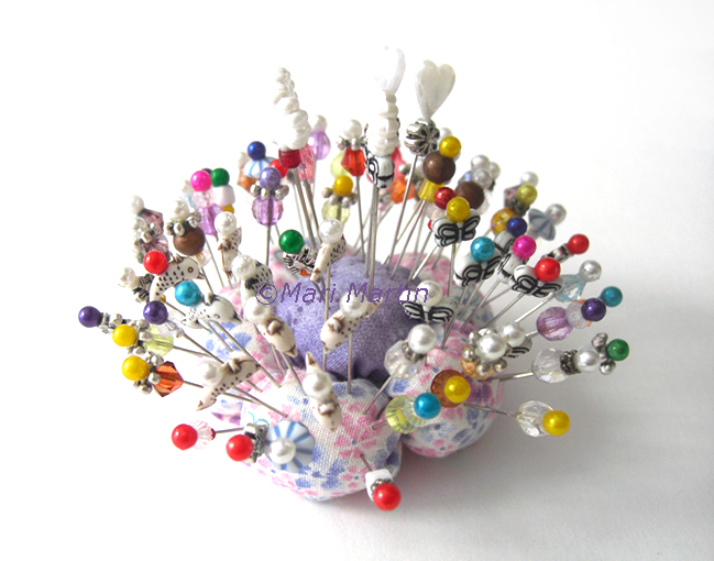 Decorative pins crochet colorful for Decorative pins for crafts