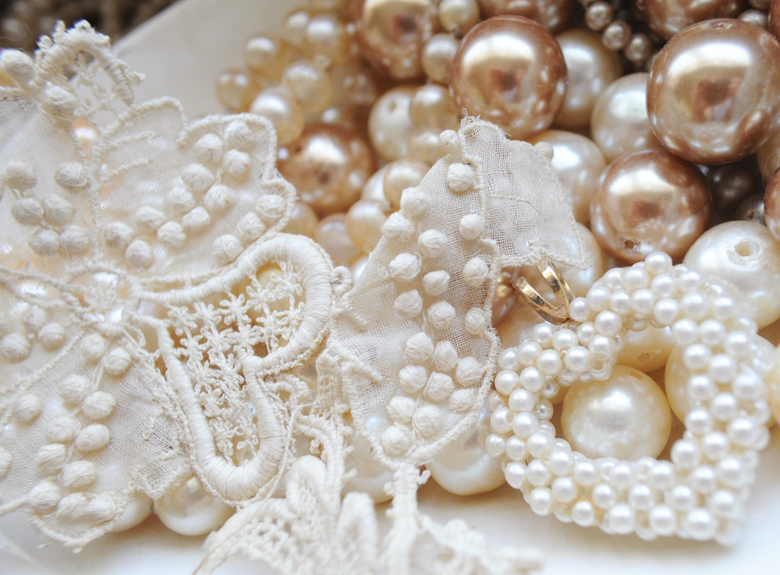 Lace and pearls wallpaper  317165  hdweweb4com