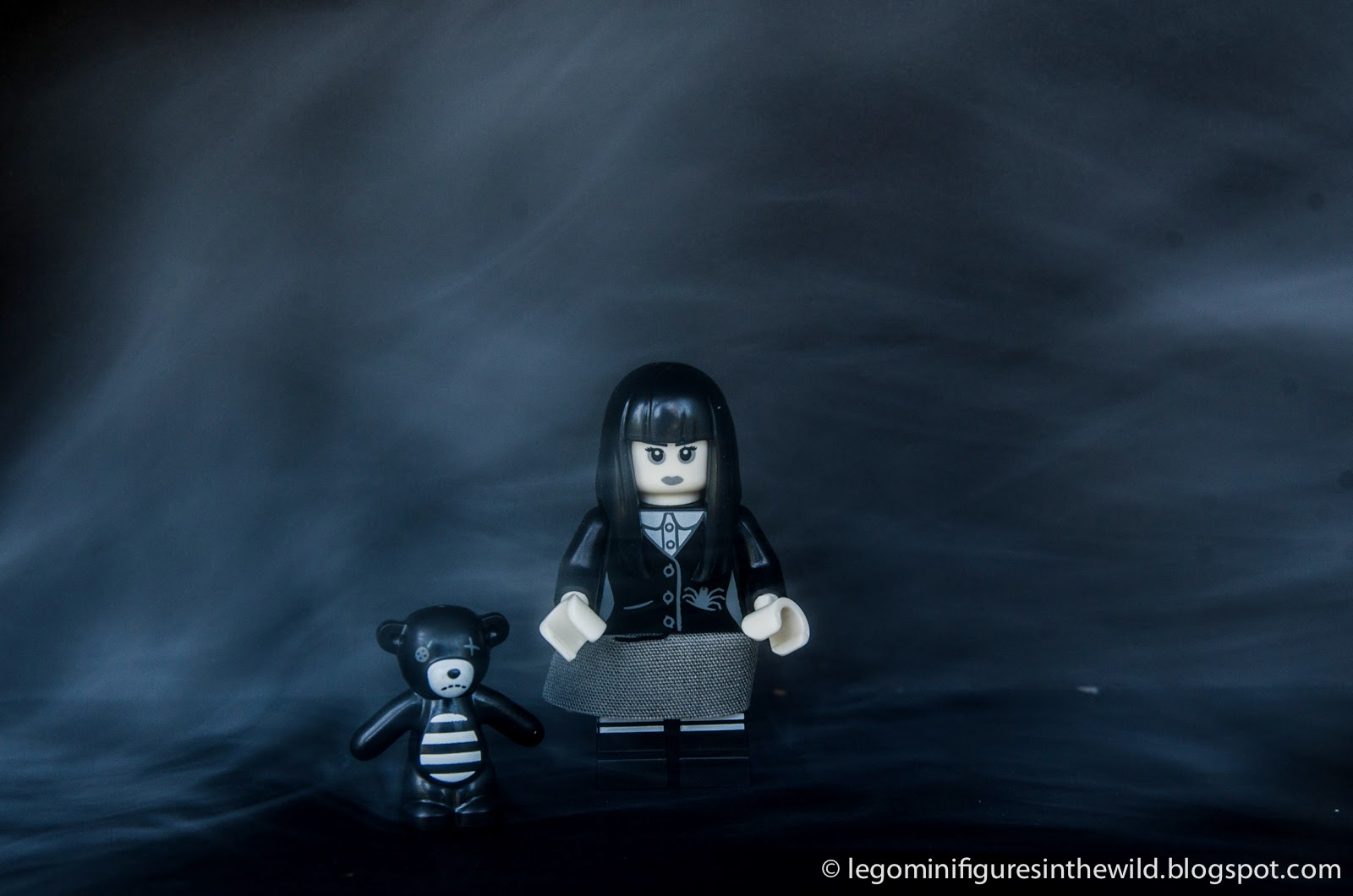 Lego Minifigure Series 12 Spooky Girl:
