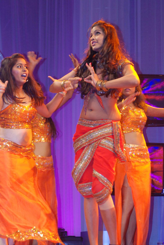 Lakshmi rai sizzling performance mirchi music awards south hd - 4 4