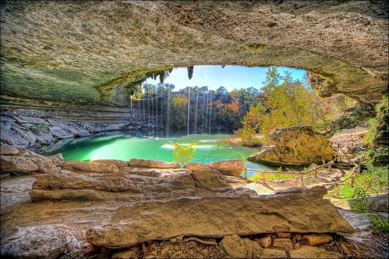 La piscina naturale di Hamilton - Hamilton Pool Park, Austin (Texas)