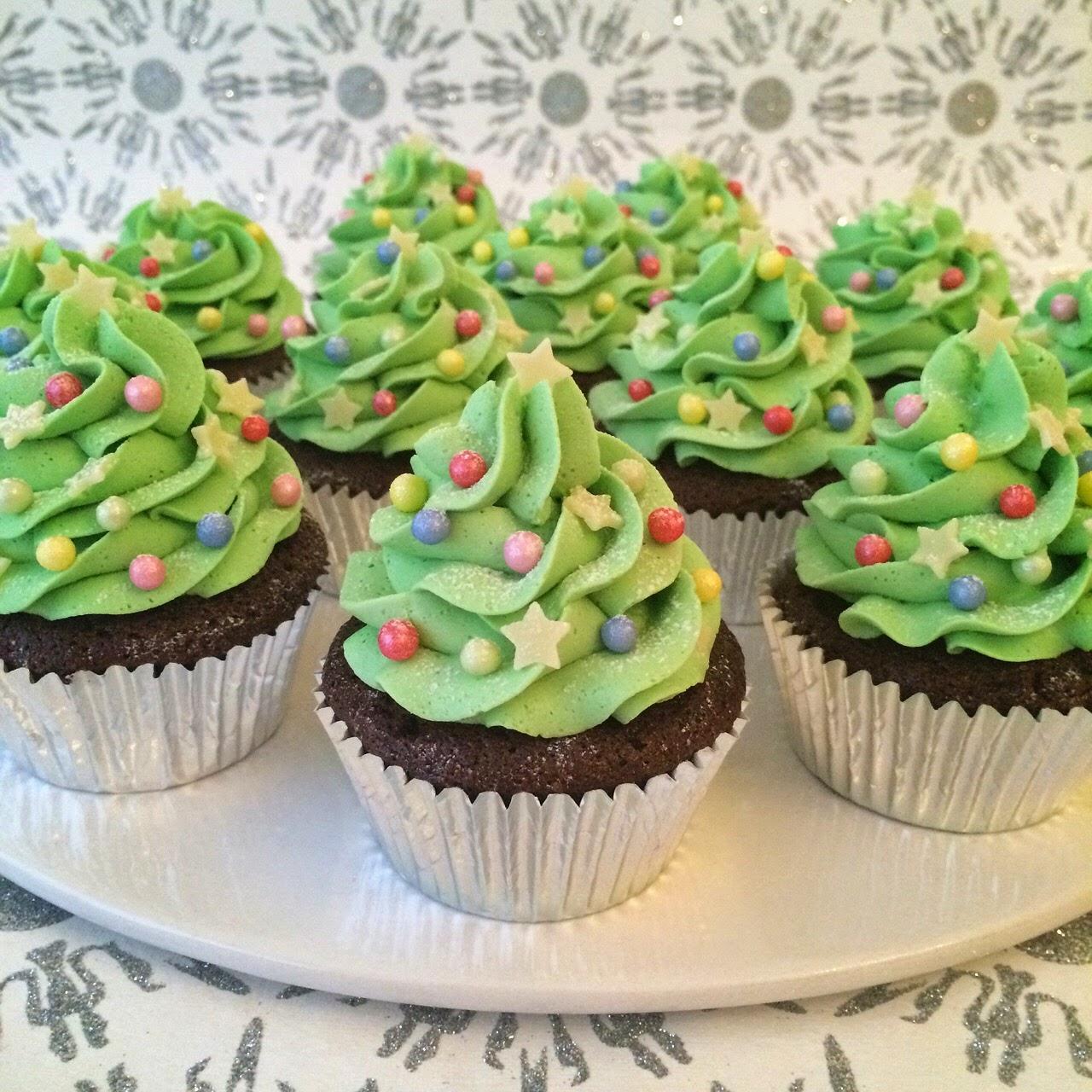 Christmas Tree Strawberry Cupcakes